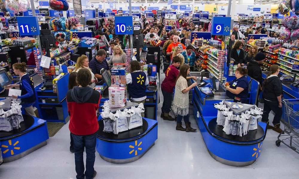Walmart Employees Get An Early Payday | PYMNTS.com