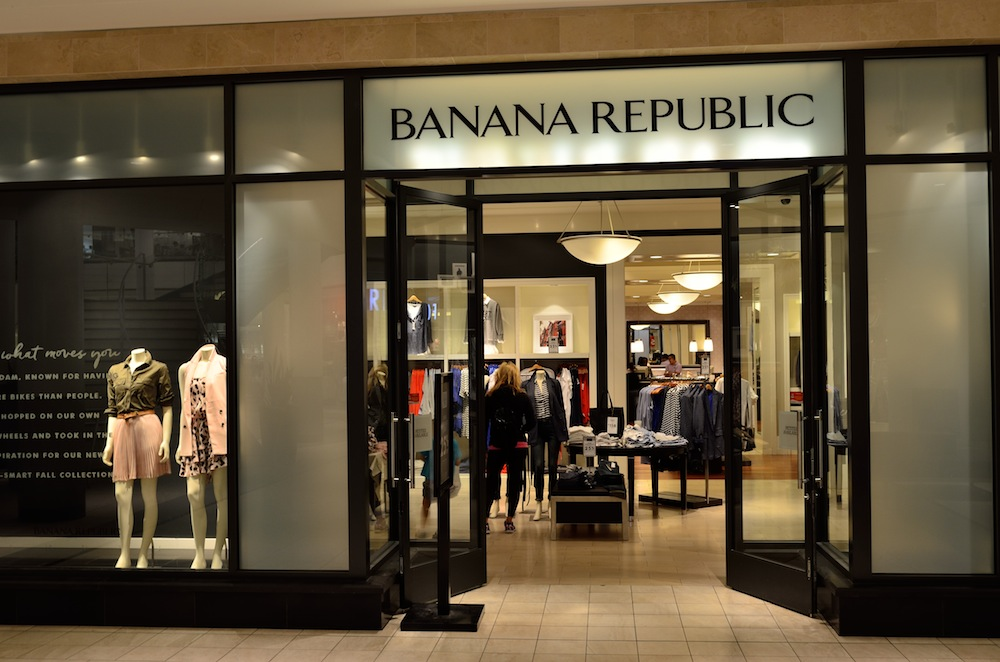 Banana Republic Factory and Outlet is the best place to buy men's clothing online at discount prices. Deals on dress and casual shirts, polos, jeans, suits, and more!