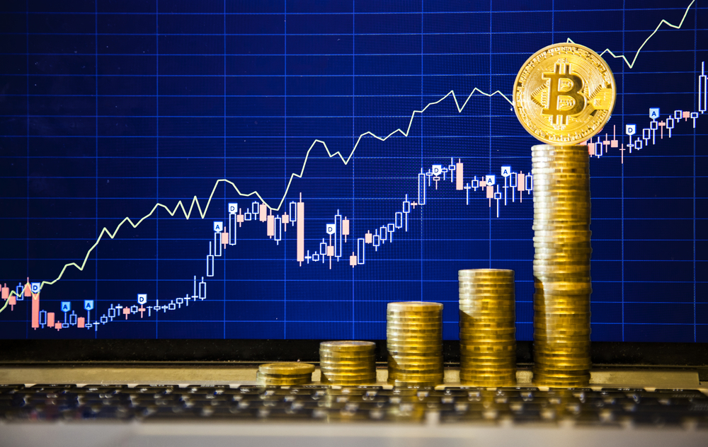 Bitcoin crosses through $17000 as concerns mount