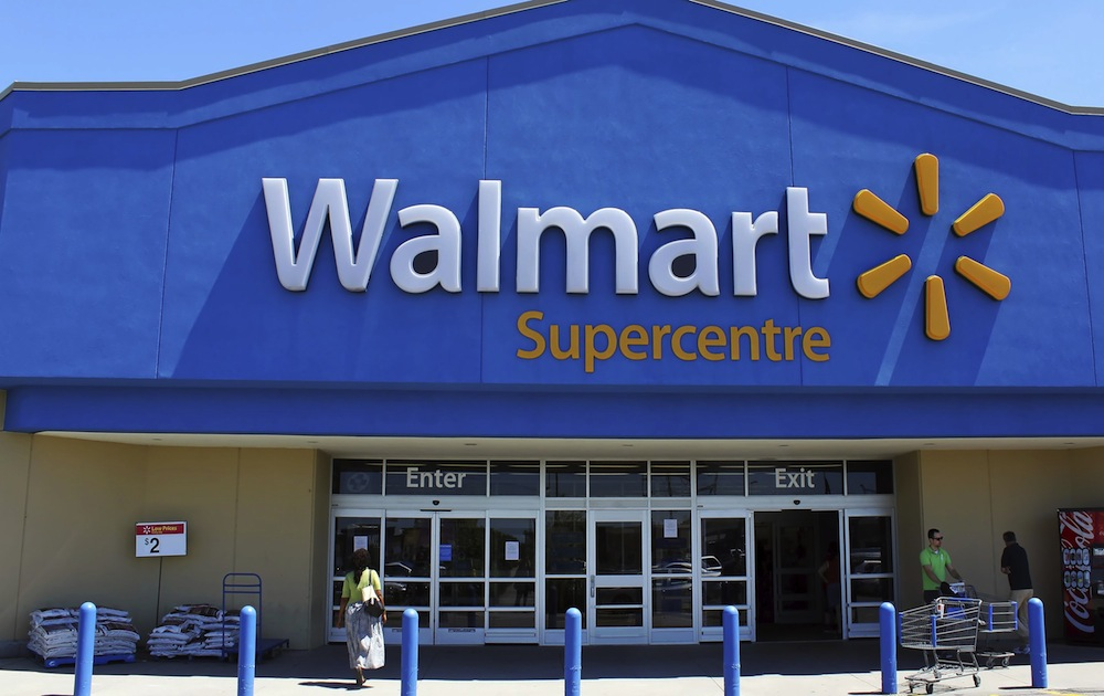 Woman Buys Computer, Other Electronics for $3.70 at Walmart Self-Checkout