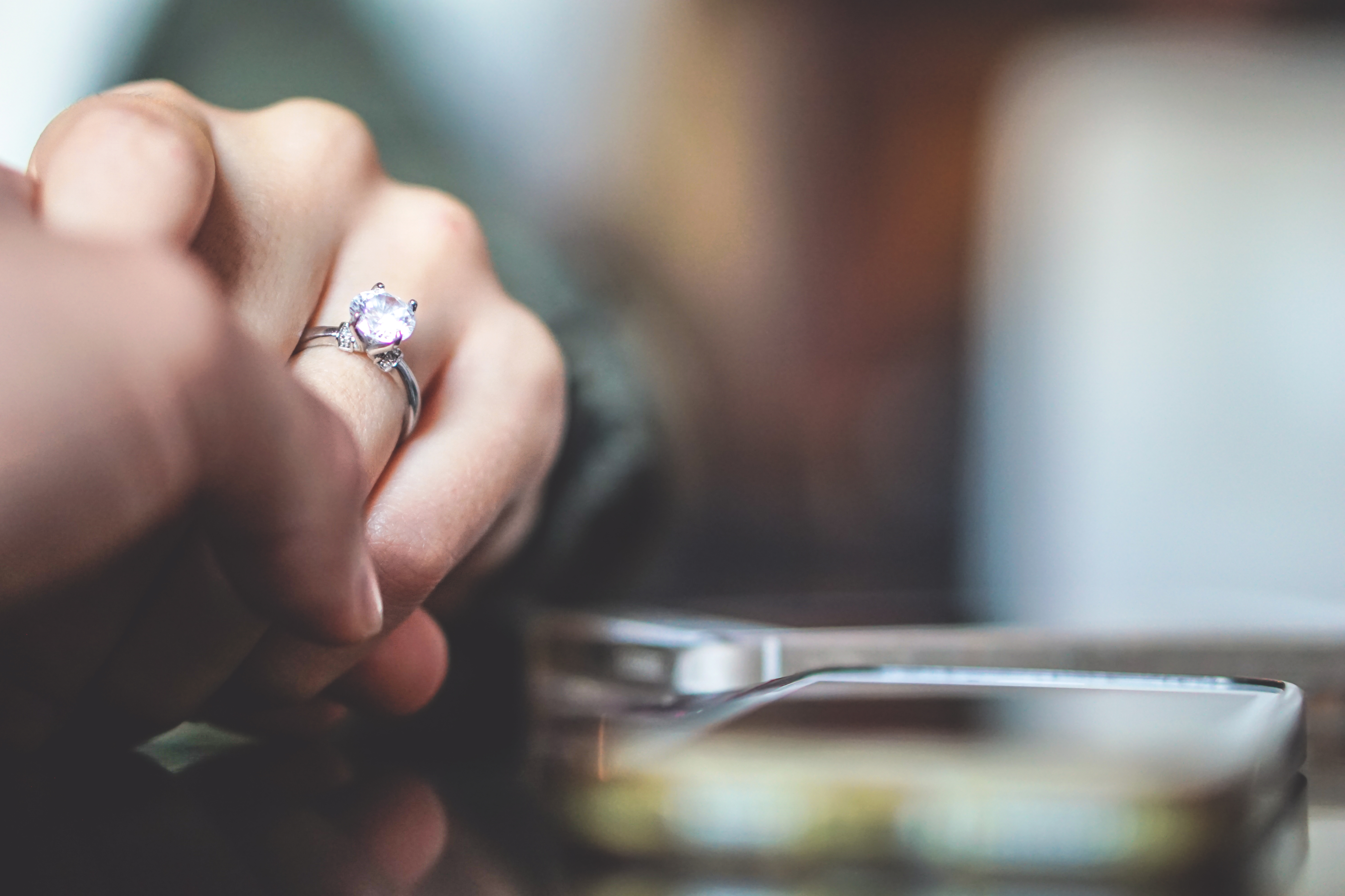 Diamond Hedge Uses AR In Engagement Ring Retail | PYMNTS.com