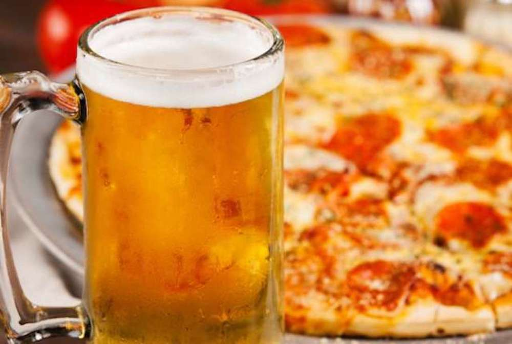 Pizza Hut testing beer, wine delivery