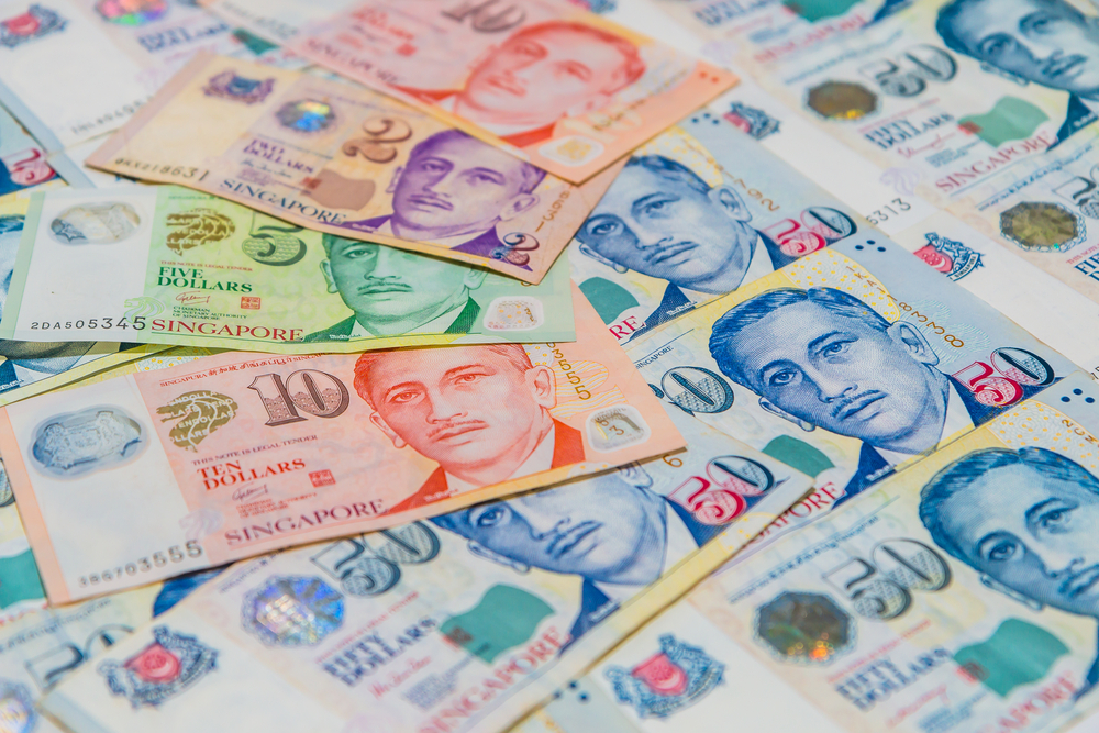 Singapore Allows Currency to Strengthen Amid Solid Growth