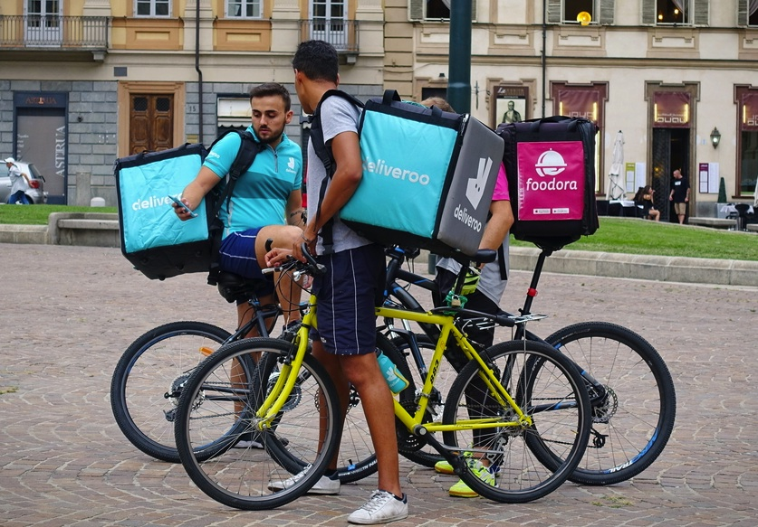 Uber talks on Deliveroo merger Just Eat's shares