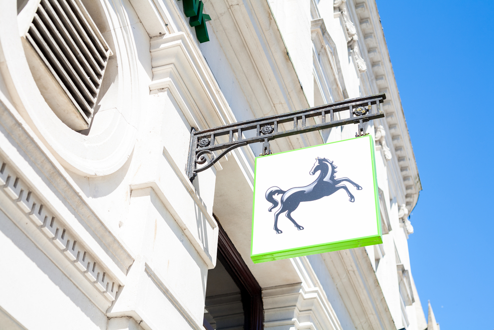 Open Banking Connects iwoca to Lloyds Data