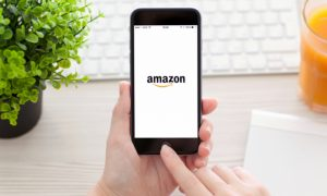 Amazon Inks Deal to Expand Apple Product Sales