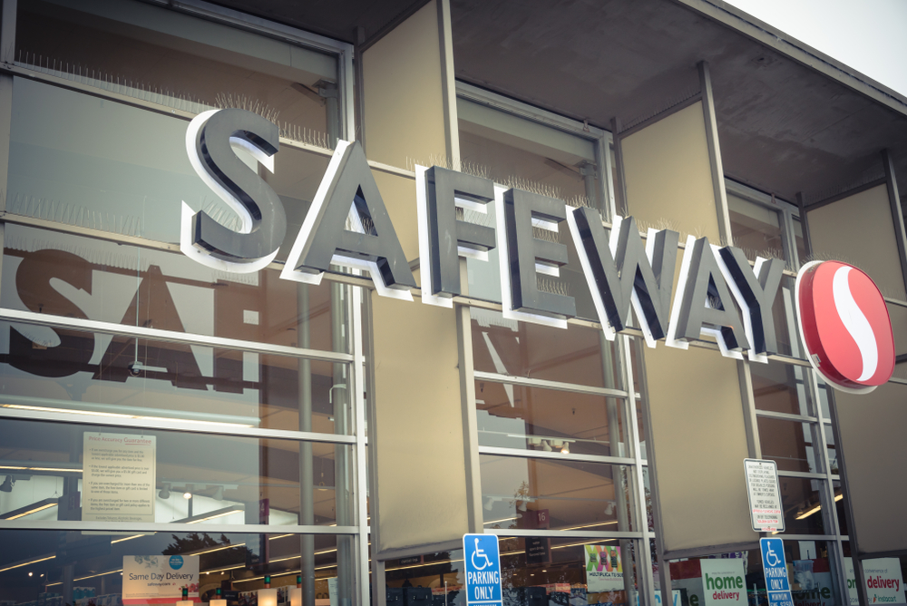 """Two Safeway stores in the Phoenix area are now offering artificial intelligence-powered medical clinics through a partnership withAkos Med Clinic. A leader in the urgent care and telemedicine arenas, Akos Med Clinic has a location in the Safeway at 926 E. Broadway Road, right near Arizona State University. A Glendale location, at 20205 N. 67th Avenue, is also now open. There are plans to expand the clinic to 50 additional Safeway locations throughout Arizona by mid-2019, as well as to the other states. This first-of-its-kind clinic utilizes technology developed by AdviNOW Medical so that many common conditions, such as sinus infections, earaches, sore throats, rashes, UTIs, strains and sprains, can bequickly and effectively treated. """"In a time when digital health is rapidly evolving, we are excited to bring this unprecedented approach to virtual medical care,"""" Akos CEO and Co-founder Kishlay Anand, MD said in a press release. """"At Akos, we're committed to improving access to high-quality medical care, and this partnership will expand our telehealth offering beyond the capabilities of our telemedicine app by placing these clinics where consumers regularly shop."""" As patients sit in front of a computer screen and simple-to-use, FDA-approved medical devices, they are guided by AR on how to collect their own data, such as weight, temperature, blood pressure and blood oxygen content, as well as ear, nose and throat images and chest, lung and abdomen sounds. Follow-up questions are asked until a diagnosis can be made, with the total process typically taking less than 15 minutes. The data collected is then sent electronically to an Akos healthcare provider, who will then video chat with the patient to confirm the AI-collected information, verify the diagnosis and confirm or change the treatment plan. A healthcare professional will also be on-site if assistance is needed. The AI also sends the prescription and/or test orders to the appropriate healthcare partner, and will fol"""
