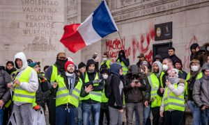 Protests Cost French Retailers a Billion Euros