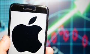 Apple Continues Slide, Falls Behind Alphabet