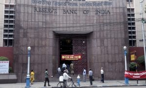 Indian Economists Meet With Central Bank