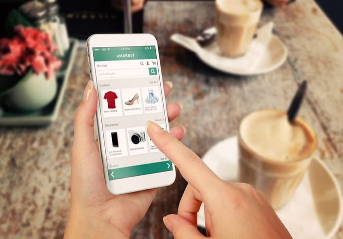 Why More Shoppers Use Mobile Beyond Payments