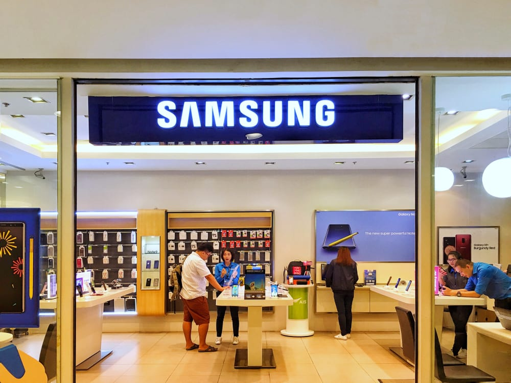 Samsung Looks to 5G Retail as Revenue Declines