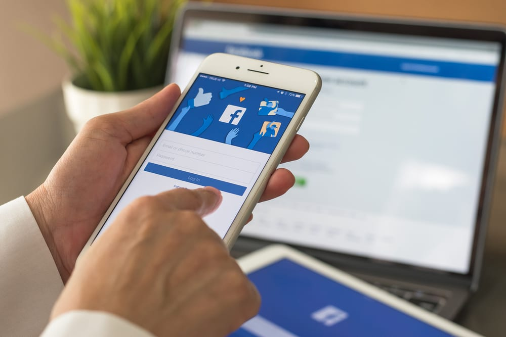 Facebook Teams With India VCs For SMBs