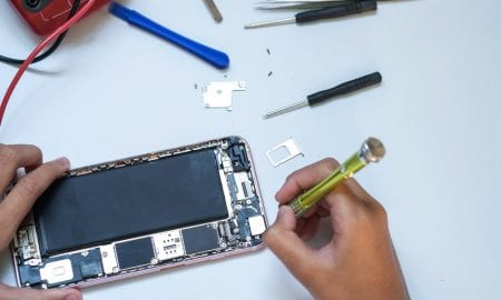 Apple To Provide Independent Shops With Parts To Fix iPhones