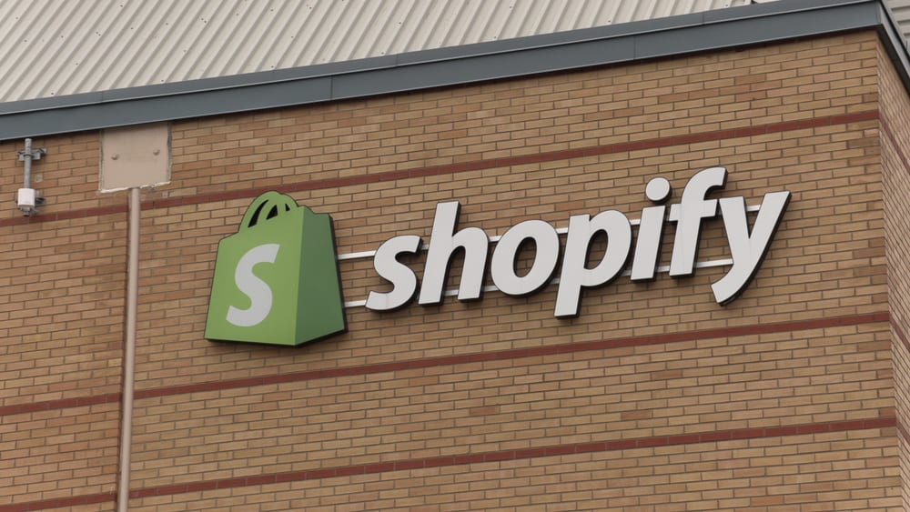 Investors Upbeat On Shopify Global Retail