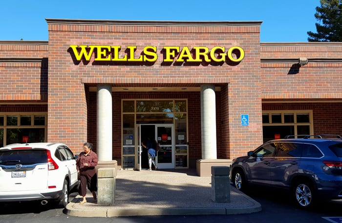 wells fargo, bank of new york mellon, new ceo, Charles W. Scharf, scandal