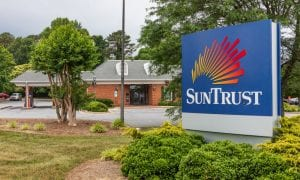 SunTrust Beats Revenue Forecast Ahead Of Merger
