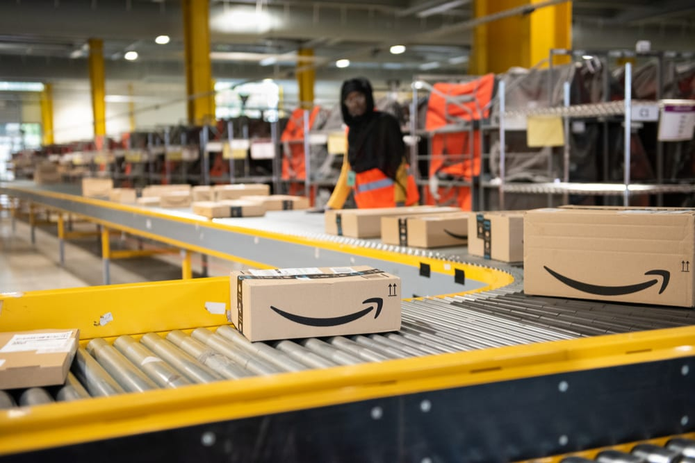 Amazon Goes On Holiday Hiring Spree