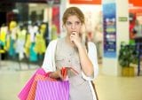 holiday shopping, consumer spending, retail sales, brick-and-mortar, foot traffic, news
