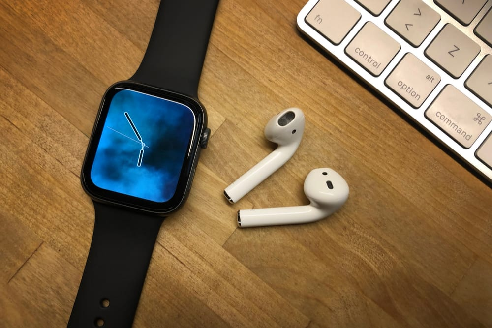 Analyst: Apple Stock To Rise From Watches, AirPods