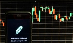 Big Fizzle: Robinhood Fizzles As Markets Gyrate