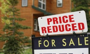US New Home Sales Plummet Amid COVID-19