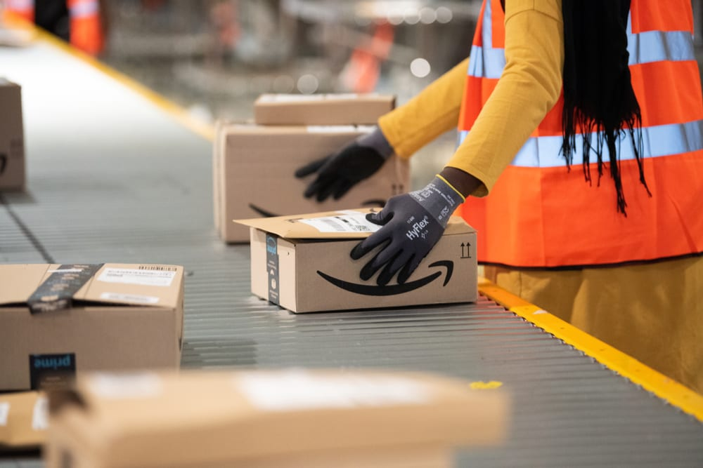 Amazon Could Turn Malls To Distribution Centers