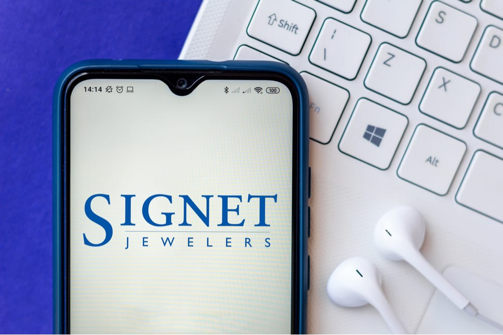 Signet Jewelers Limited Reports 72.1 Pct eCommerce Growth