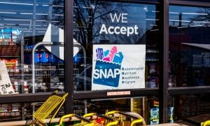 store sign we accept SNAP