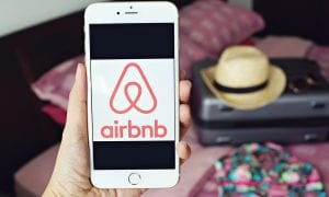 Airbnb, hosts, IPO